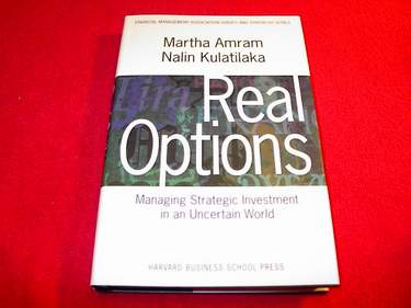 Image for Real Options : Managing Strategic Investment in an Uncertain World